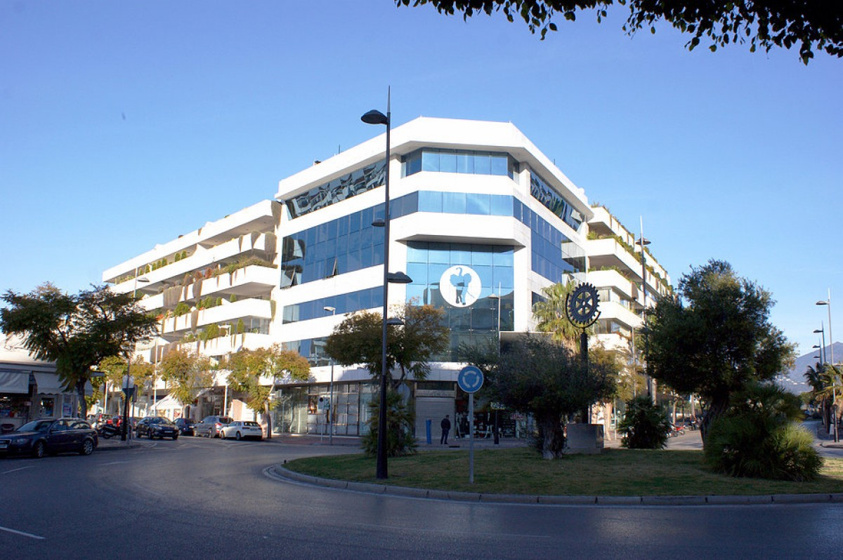Commercial in Puerto Banus