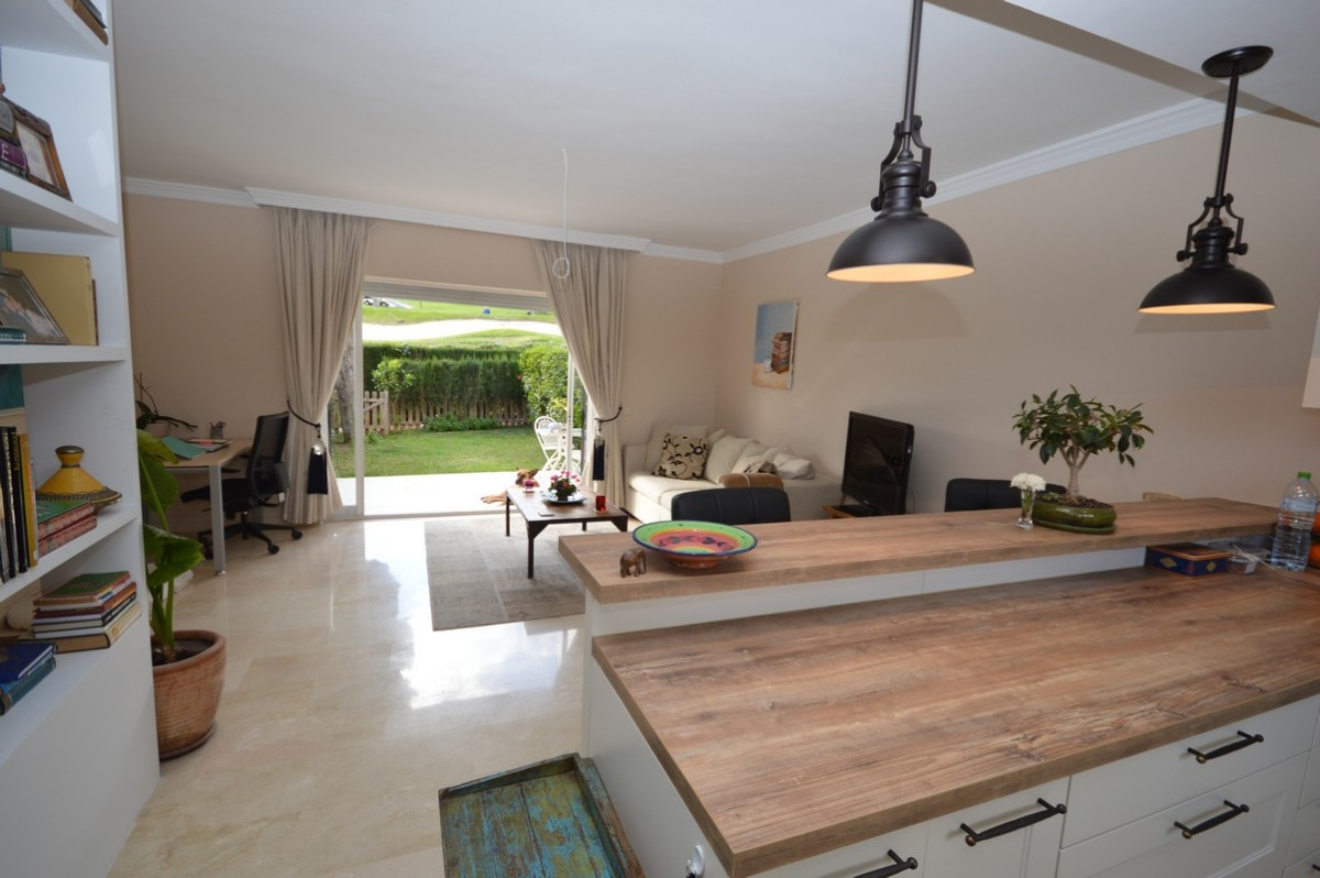 2 bedroom townhouse for sale in Los Olivos, Nueva Andalucia