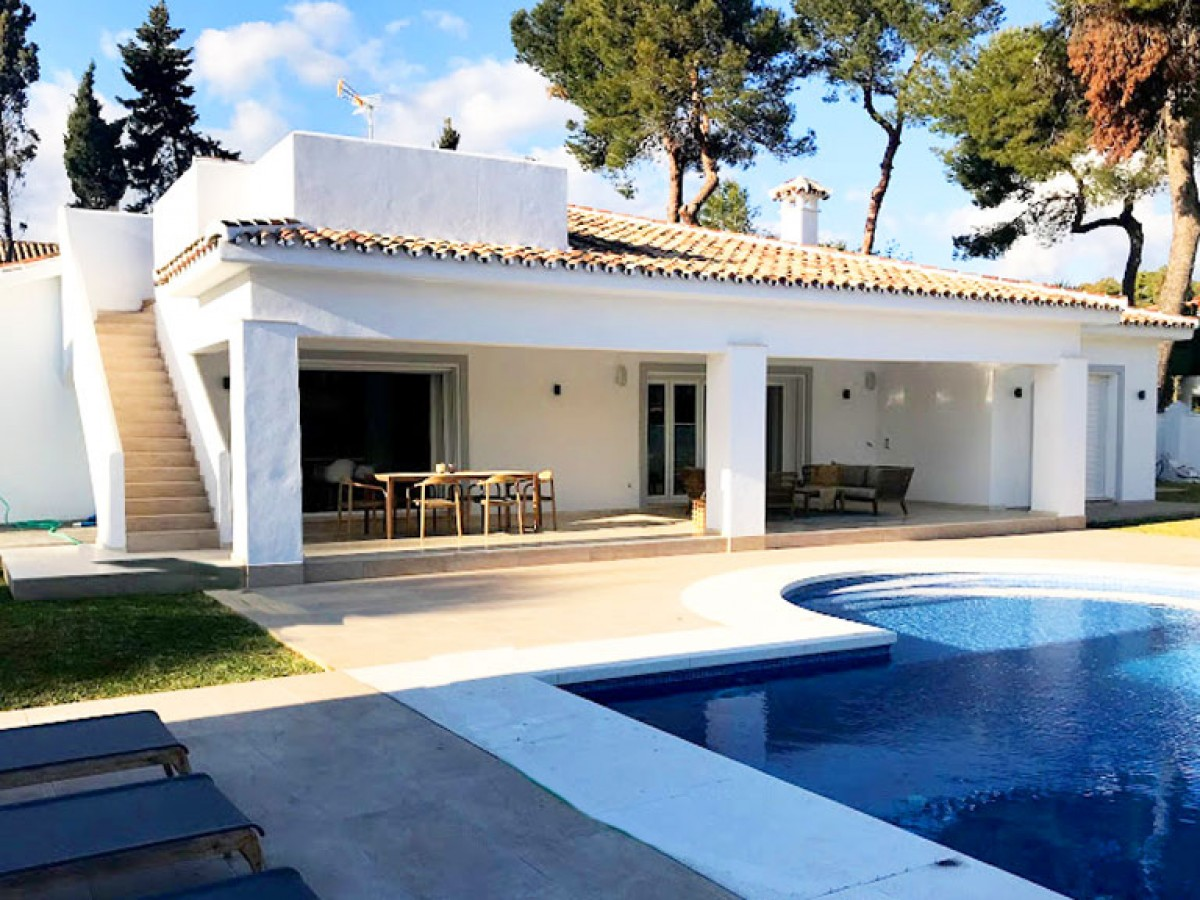 Villa in Estepona (New Golden Mile)